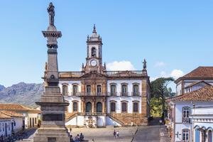Tiradentes Plaza and Da Inconfidencia Museum by Gabrielle and Michel Therin-Weise