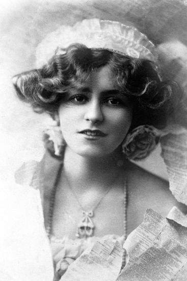 Gabrielle Ray (1883-197), English Actress, 1900s-W&d Downey-Giclee Print