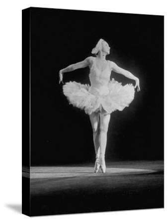 "Galina Wanova Dancing ""The Dying Swan"""
