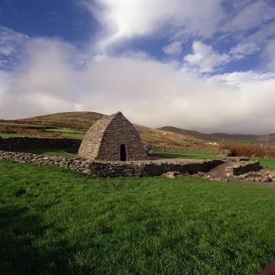 Gallarus Oratory, Dingle Peninsula, County Kerry--Photographic Print