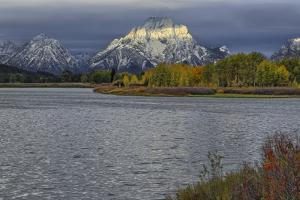 Oxbow Bend Band Of Light by Galloimages Online