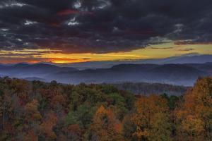 Smokies Sunrise (Oil Paint) by Galloimages Online