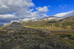 Soda Butte In Yellowstone by Galloimages Online
