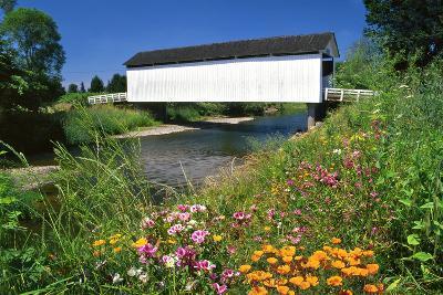 Gallon House Covered Bridge over Abiqua Creek, Oregon, USA-Jaynes Gallery-Photographic Print