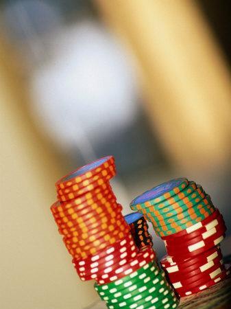 https://imgc.artprintimages.com/img/print/gambling-chips-and-us-currency-las-vegas-nevada-usa_u-l-p116k30.jpg?p=0