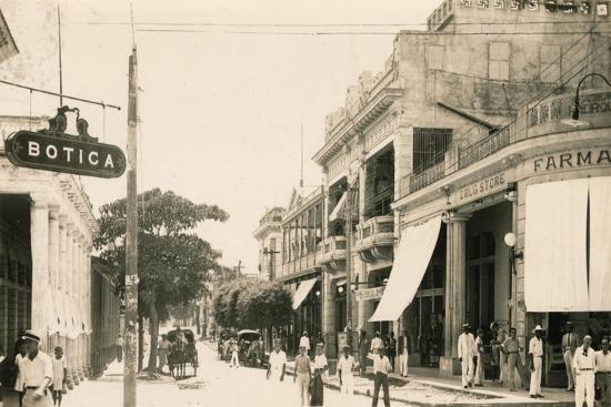 Garcia Street, Guantanamo, Cuba, c1900-Unknown-Giclee Print