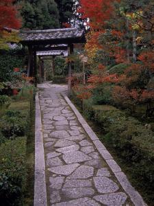 Tofuku-Ji Temple, Kyoto, Japan by Gary Conner