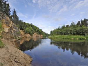 Ergelu (Erglu) Cliffs, River Gauja, Near Cesis, Gauja National Park, Latvia, Baltic States by Gary Cook
