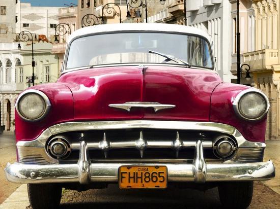 gasoline-images-classic-american-car-in-habana-cuba
