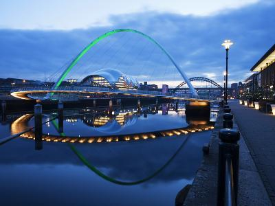 Gateshead Millennium Bridge, the Sage and Tyne Bridge at Dusk, Spanning the River Tyne Between Newc-Mark Sunderland-Photographic Print
