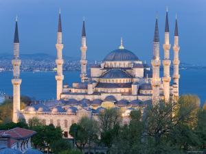 Blue Mosque, Sultanahmet, Bosphorus, Istanbul, Turkey by Gavin Hellier
