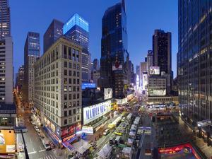 Broadway Looking Towards Times Square, Manhattan, New York City, New York, United States of America by Gavin Hellier