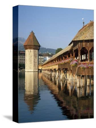 (Covered Wooden Bridge) Over the River Reuss, Kapellbrucke, Lucerne (Luzern), Switzerland