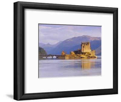 Eilean Donan (Eilean Donnan) Castle, Dornie, Highlands Region, Scotland, UK, Europe