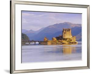 Eilean Donan (Eilean Donnan) Castle, Dornie, Highlands Region, Scotland, UK, Europe by Gavin Hellier