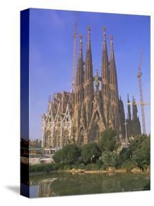 Gaudi Church Architecture, La Sagrada Familia, Barcelona, Catalunya (Catalonia) (Cataluna), Spain by Gavin Hellier