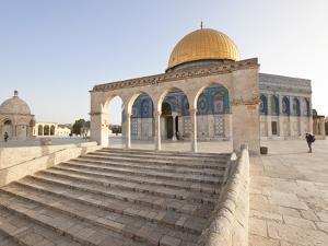 Israel, Jerusalem, Temple Mount, Dome of the Rock by Gavin Hellier