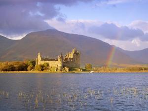 Kilchurn Castle and Loch Awe, Highlands Region, Scotland, UK, Europe by Gavin Hellier