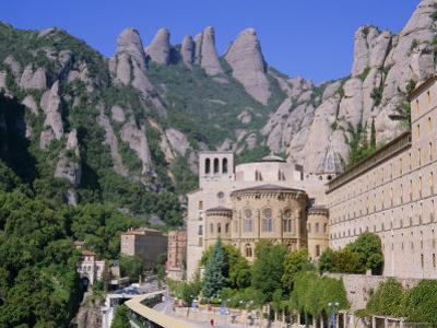 Montserrat Monastery Founded in 1025, Catalunya (Catalonia) (Cataluna), Spain, Europe by Gavin Hellier