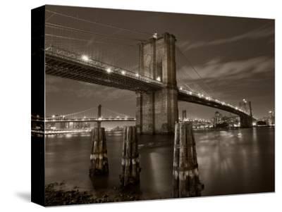 New York City, Manhattan, the Brooklyn and Manhattan Bridges Spanning the East River, USA
