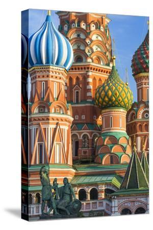 St. Basils Cathedral in Red Square, UNESCO World Heritage Site, Moscow, Russia, Europe