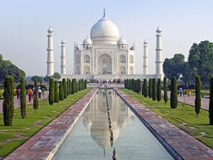 Taj Mahal, UNESCO World Heritage Site, Agra, Uttar Pradesh State, India, Asia by Gavin Hellier