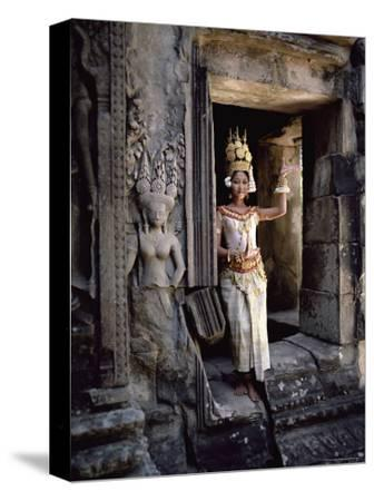 Traditional Cambodian Apsara Dancer, Siem Reap Province, Cambodia