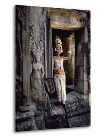 Traditional Cambodian Apsara Dancer, Siem Reap Province, Cambodia