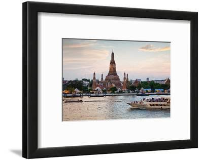 Wat Arun (Temple of the Dawn) and Chao Phraya River at Sunset