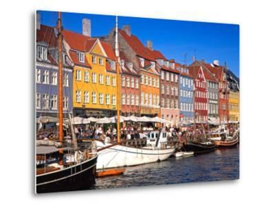 Waterfront District, Nyhavn, Copenhagen, Denmark, Scandinavia, Europe