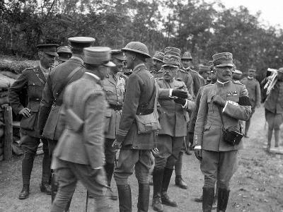 General Cadorna and General Porro Visit English Batteries During World War I-Ugo Ojetti-Photographic Print