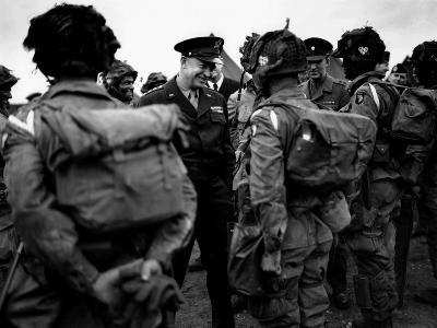 General Eisenhower Talks with Paratroopers of the 101st US Airborne Before D-Day--Photo