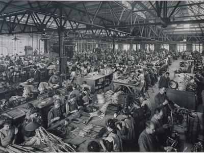 https://imgc.artprintimages.com/img/print/general-electricity-company-berlin-1908_u-l-pjljzv0.jpg?p=0