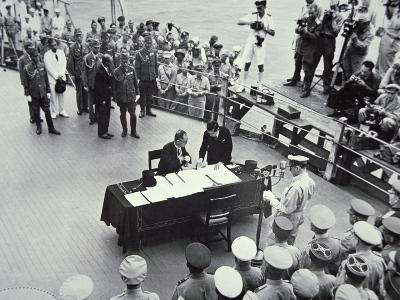 General Macarthur Reads Out the Terms of Surrender to Japanese Officials on Board the USS Missouri--Photographic Print