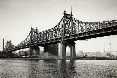 General View of the Queensboro Bridge--Photographic Print