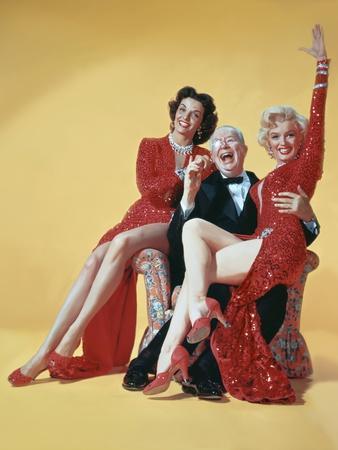 https://imgc.artprintimages.com/img/print/gentlemen-prefer-blondes-directed-by-howard-hawks-1953_u-l-pjucbc0.jpg?p=0