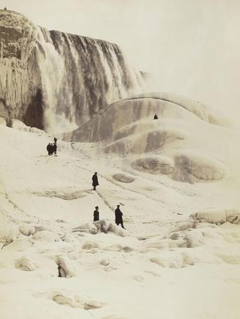 Les chutes du Niagara sous la neige