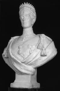 Bust of Queen Mary, Consort of King George V, 1914 by George Frampton