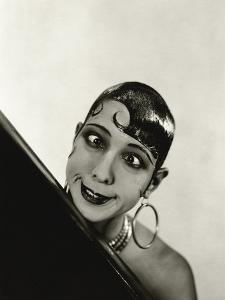 Vanity Fair - October 1934 by George Hoyningen-Huen?