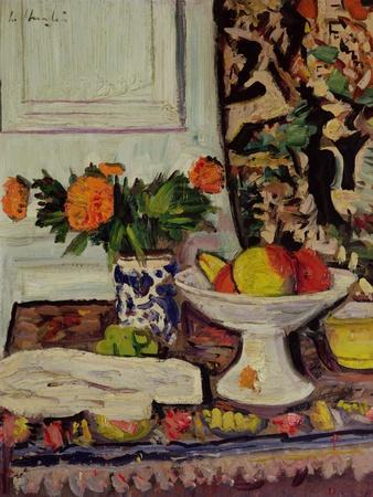 Still Life with Fruit and Marigolds in a Chinese Vase, c.1928