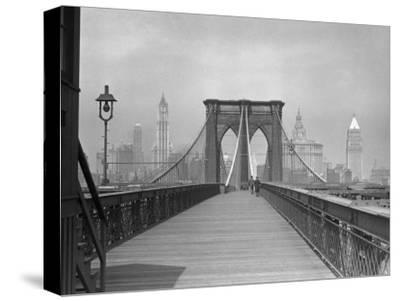 Brooklyn Bridge Pedestrian Walkway, NYC
