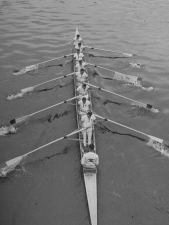 Kent School Rowing Crew Practicing For the Royal Henley Regatta