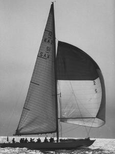 The Pattie Bounding For Home After the Trials For the America's Cup by George Silk
