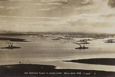 https://imgc.artprintimages.com/img/print/german-high-seas-fleet-interned-at-scapa-flow-orkney-28-november-1918_u-l-ppxvhk0.jpg?p=0