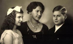 Ak Prinzessin Elisabeth Von Thurn U. Taxis, Anselm Und Iniga by German photographer