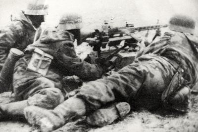 German Soldiers with MG42 General Purpose Machine Gun on a Tripod Mount--Photographic Print