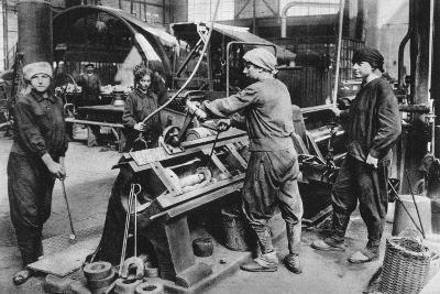 German State Munition Factory, World War I, 1917--Giclee Print