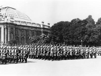 German Troops Parading before the German Commandant of Paris, 8 July 1941--Photographic Print