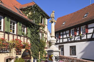 Germany, Baden-WŸrttemberg, Kraichgau (Region), Bretten (Village), Hundles Fountain-Udo Siebig-Photographic Print