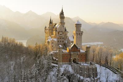 https://imgc.artprintimages.com/img/print/germany-bavaria-allgshu-neuschwanstein-castle_u-l-q11vvbj0.jpg?p=0
